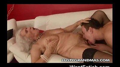 Brutto grandma! - 2 min