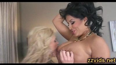 Phoenix Marie Kiara Mia lesbian play with glass dildo - 5 min