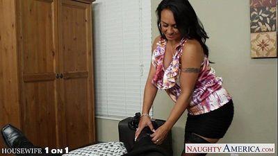 Busty brunette housewife Mariah Milano POV fucking - 8 min HD