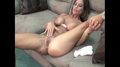 Mature hottie Leeanna Heart is fucking her toy - 7 min
