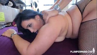 Sexy Plump Latina Bangs the Hunky Plumber - 2 min