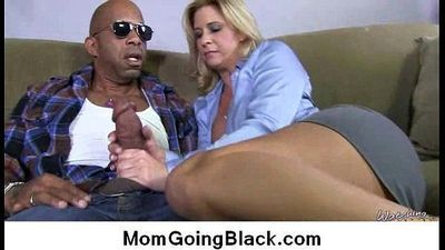 Watch milf going black : Interracial free porn 19 - 5 min