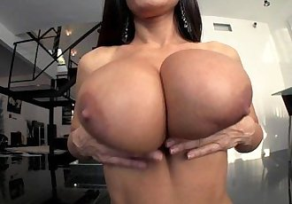 LiveGonzo Lisa Ann Busty Mature Slut Gets Down and DirtyHD