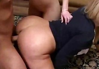 Naughty milf gets hardcore pussypounding - 5 min