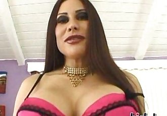 Rossana is a Latin MILF