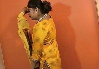 indian pornstar sexy babe rupali - 2 min HD