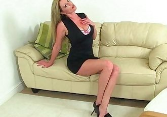 British milf pussy gets a workoutHD