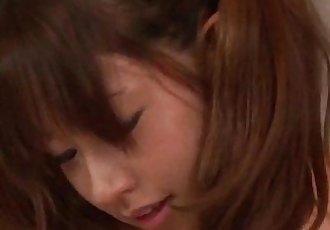 脈絡 葵 驚訝 與 她的 大 奶 和 光滑 嘴唇 - 12 min