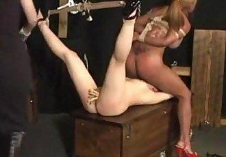 怪異的 性愛 與 的 性愛 奴隸 免費的 女同性戀 hd 色情 - abuserporncom - 21 min