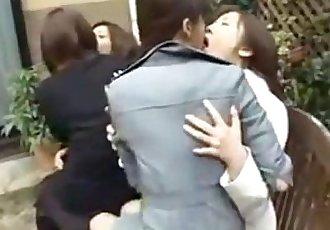 日本 女同性戀者 接吻 上 公園 - 3 min