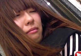 Kotono Watase 她的 第一 專業的 摸索 hd 色情 - 13 min
