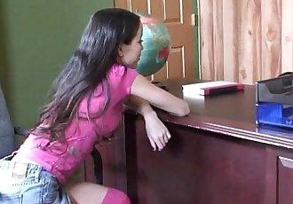 小 小小的 亚洲 18 年 旧 学校 女孩 获取 紧 猫 破碎的 和 脸部 - 13 min