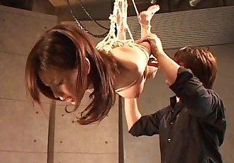 亞洲 蕩婦 掛 上 的 繩索 作為 她的 紡 - 8 min
