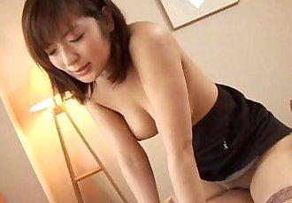 野生的 亞洲 辣妹 吹簫 和 鐵桿 性愛 - 5 min