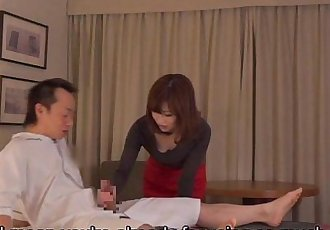 Subtitled CFNM Japanese hotel milf massage leads to handjob - 5 min HD