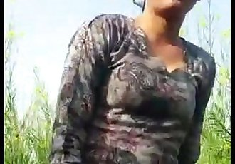 desi girl friend in Open feilds khet - 1 min 44 sec