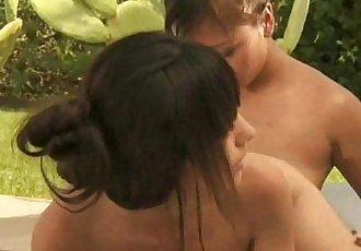 Beautiful Nuru Asian Girls Massage - 12 min