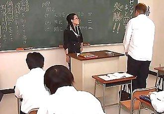 淘氣 老師 吸吮 關閉 她的 愚蠢的 學生 硬 公雞 58 sec