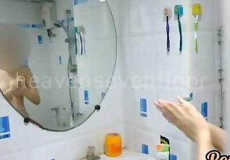 Thai teen แอบถ่ายพี่สาวอาบน้ำโดนจับได้..