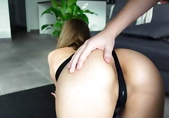 Petite Girl in Yoga Pants Gets Fucked by her Instructor - Amateur Ray Gonewild