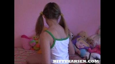 Kitty Karsen - Kitty Meets The Splitter - 9 min