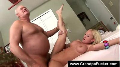 Teen fingers herself while licking nutts - 6 min