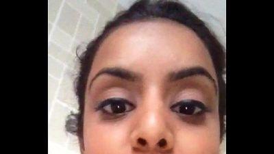 Selfie 111 young girl selfshot body - 53 sec