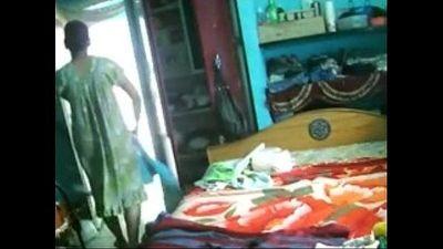Desi Aunty Dress Change - 54 sec
