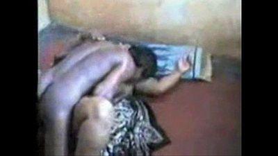 South Indian Couple ఆంటీని దెంగడం - 12 min