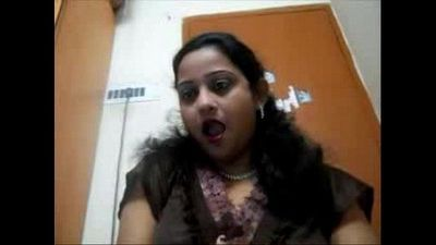 Big Boobs Indian Wife - DesiScandals.Net - 7 min