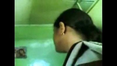 Indian Massage Parlour Handjob - 35 sec