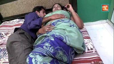 Hot Aged Telugu Aunty Romance with Cable Boy - 6 min