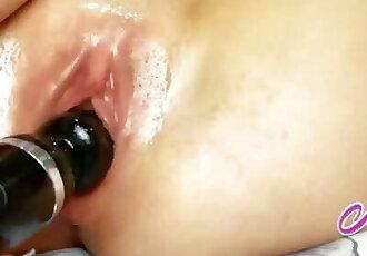 Close up Wet Pussy Masturbation