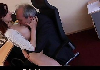 Old boss fuck his sexy young assistant in the officeHD