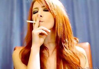 Elle Smoking 232
