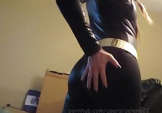 Catwoman tries deepthroating & swallows! :)