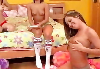 Z44B 295 Gathering Lesbian Teens 2-B
