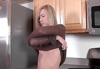 Satisfactiongroupe Masturbating In The Kitchen - 9 min