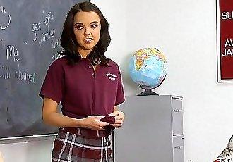 Gorgeous schoolgirl screwed - 7 min