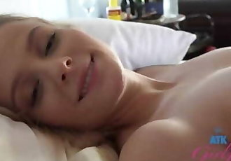 Creampie POV Reverse Cowgirl Fuck Paris White ATK Girlfriends
