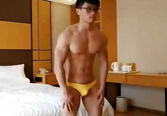 Muscular Chinese Men Jerk off