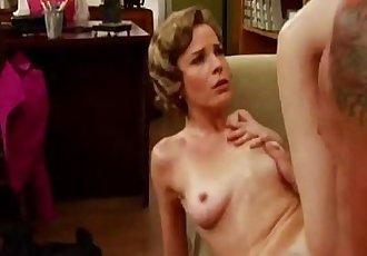 Fuck The Retro MILF At The OfficeHD