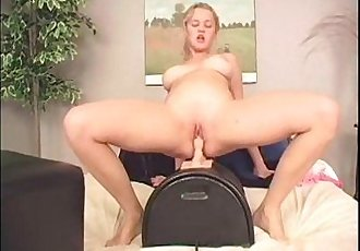Teen amateur Christine ride sybian to orgasm
