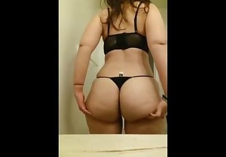 20yr old curvy coed showing off her big ass
