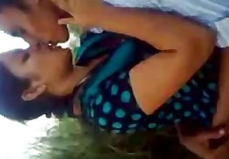 BANGLADESHI - LOVERS Kissing Frnd Recording