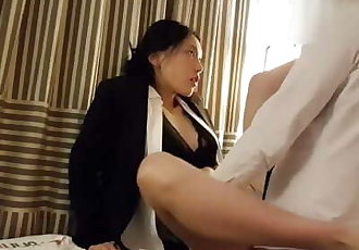 June Liu 刘玥/SpicyGum - Chinese Manager Punishes her Employee for Being Late