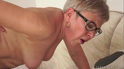 Grandma Ursula Fucked by a young studHD
