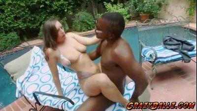 Horny babe Jamie Jackson has a natural tits