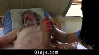 Sexual young care for a poor old manHD