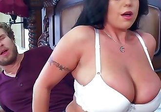 Milf Sheridan Love sucks cock - Brazzers